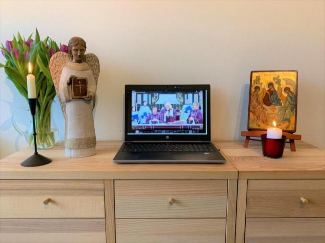 tv-mis op meubel_0